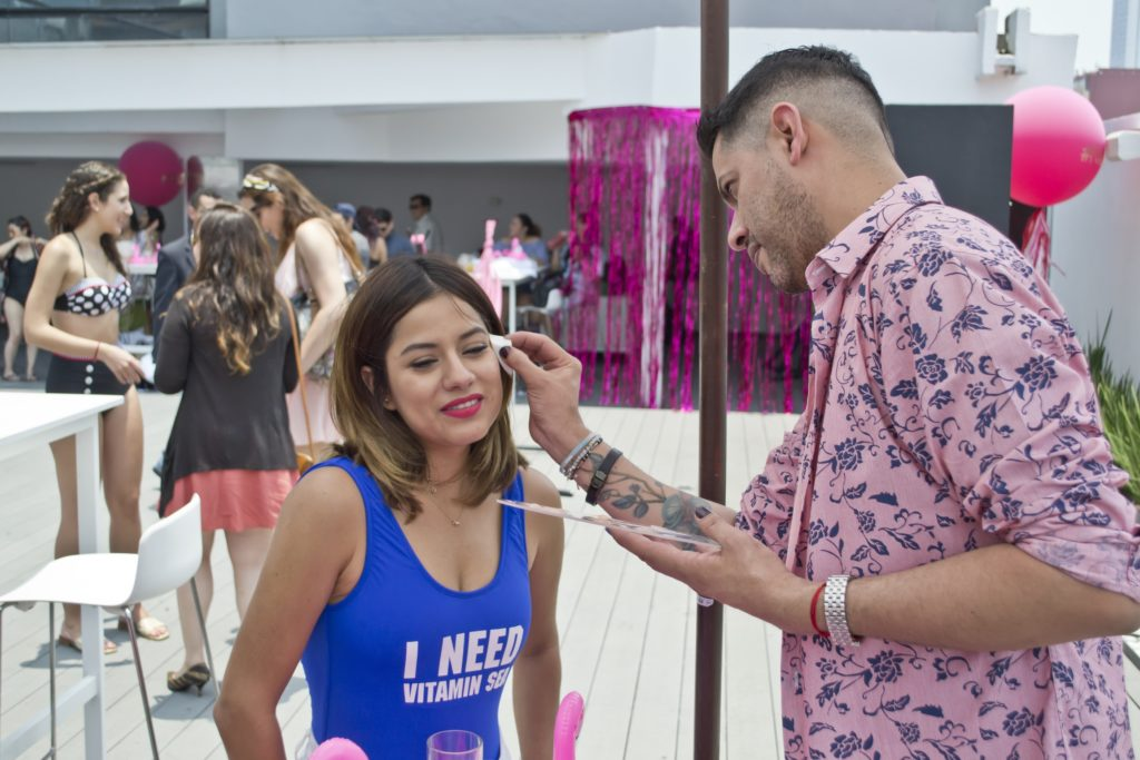 Super Stay 24 Pool Party Con Maybelline #PonloAPrueba